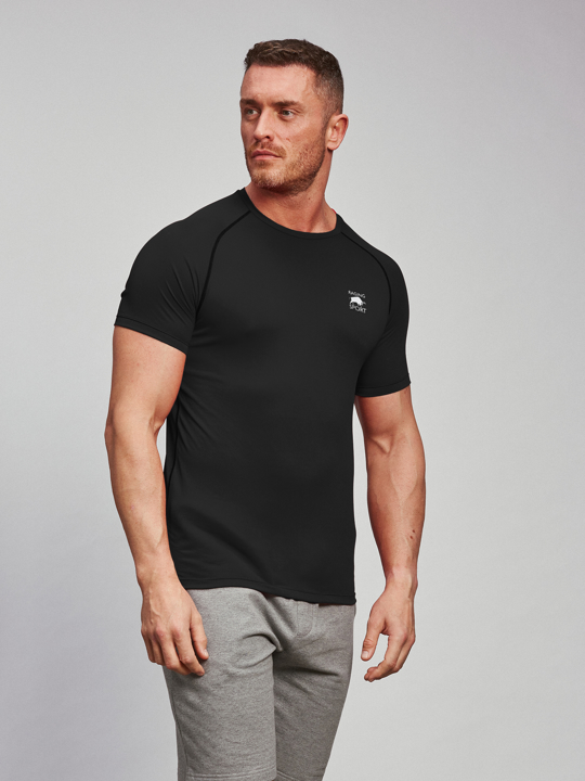 model wearing high quality black t-shirt